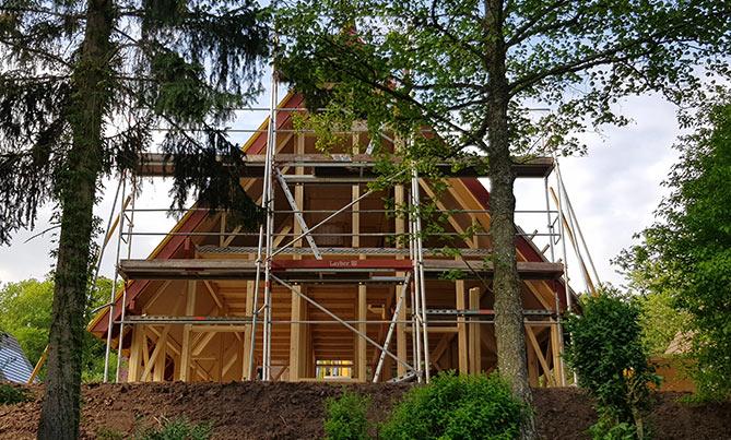 Holzhausbau: Buckel element holz aus Aurach